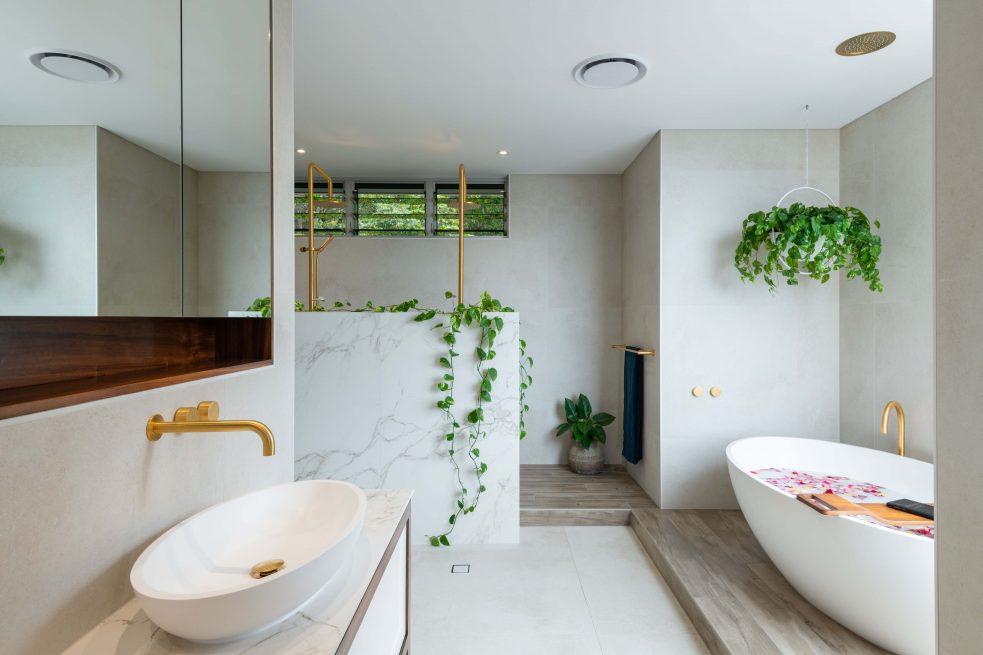 Freestanding Bath Plinth